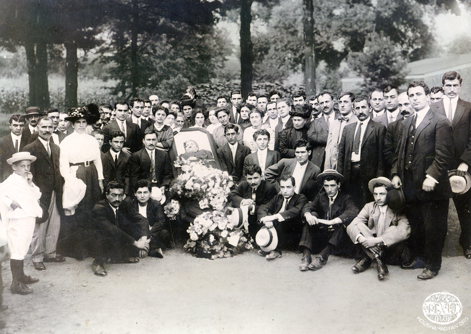 Adana – 1910. Burial service