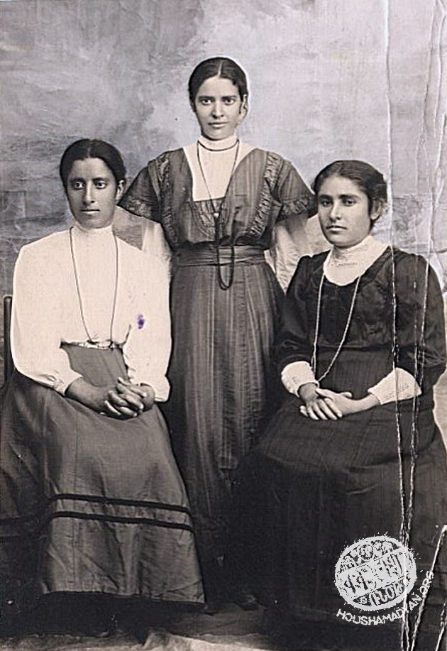 Marash, March 1911. From left to right: Mayrig Khedezmalian, Mariam Djernazian, Giurdju Ishkhanian (Source: Mihran Minassian collection)