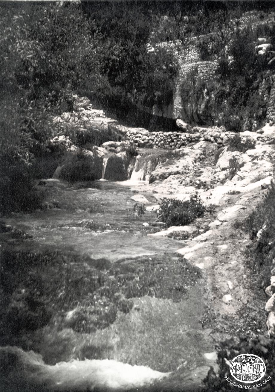 The Kheder Beg village stream