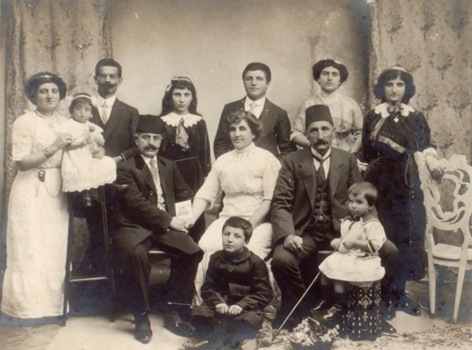 1912, Պոլիս. Քիւրճեաններու ընտանեկան հաւաքոյթ