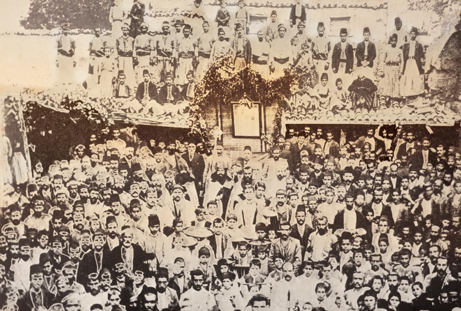 Մարաշ, 1907. կրօնական արարողութիւն Ս. Գէորգ եկեղեցիին առջեւ