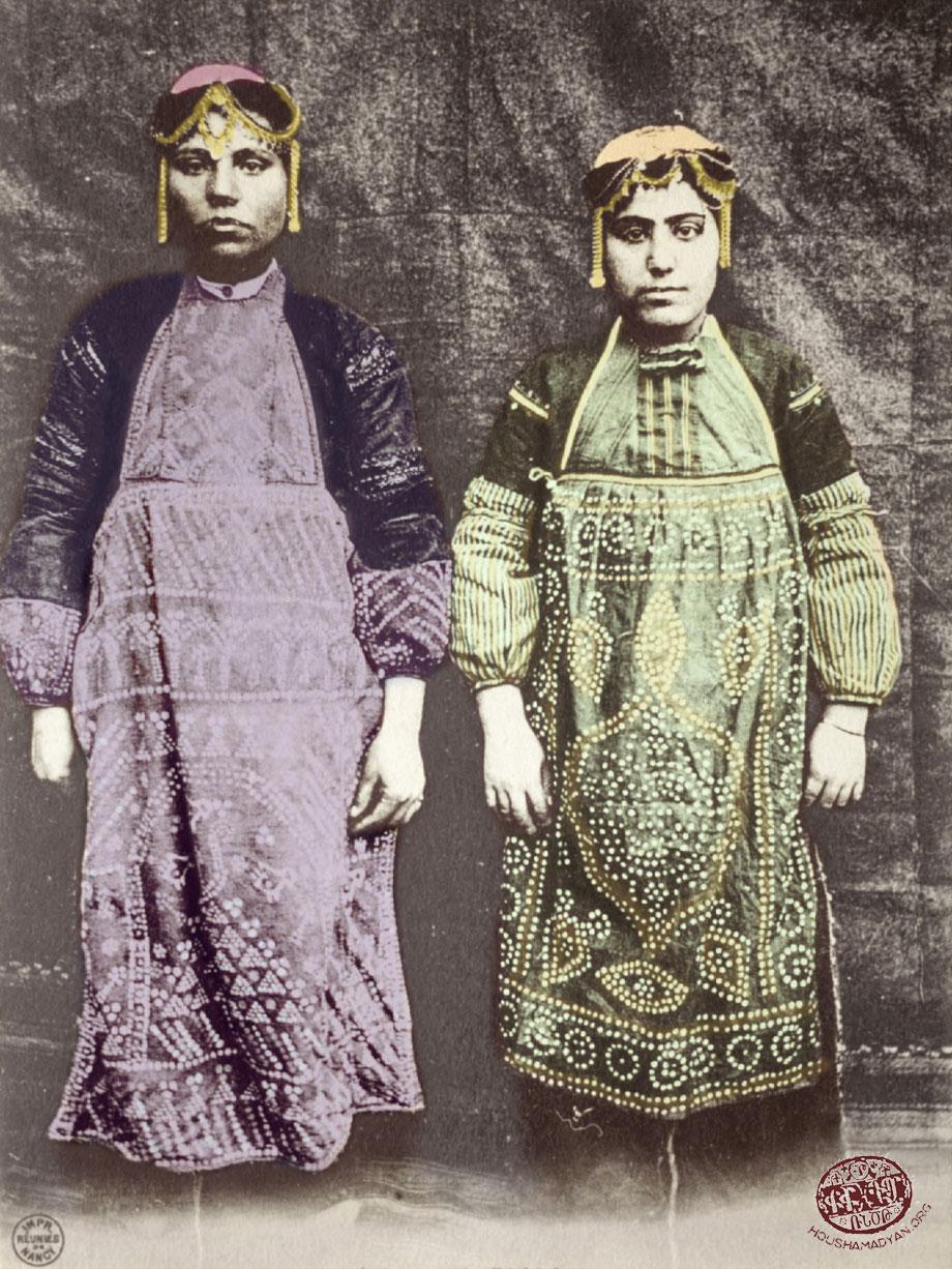 Բազշամէն (Պիզմիշին, ներկայիս Սառըչուպուք). գեղջական տարազով հայ կիներ