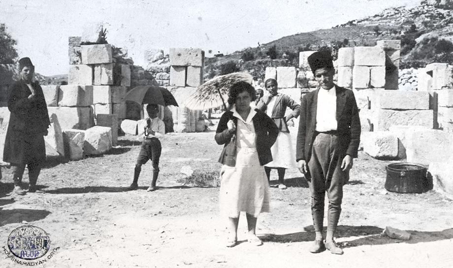 Յովհան Ոսկեբերան վանքի աւերակները Պիթիասի մօտ