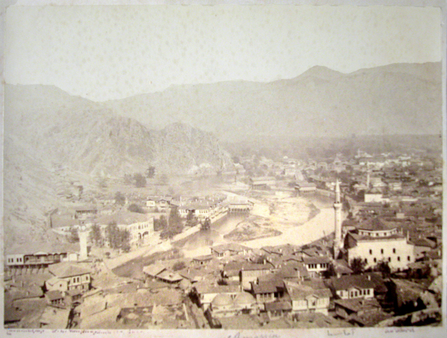 8) A scene from Amasya (Source: Nubarian Library collection)