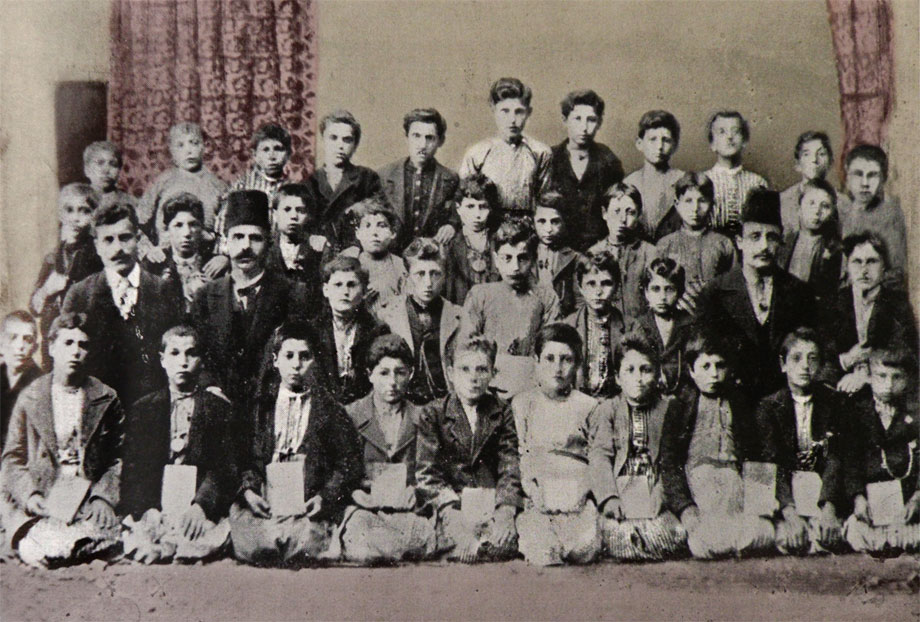 Hussenig, ca 1902. The students of the St Varvar church first (primary) school