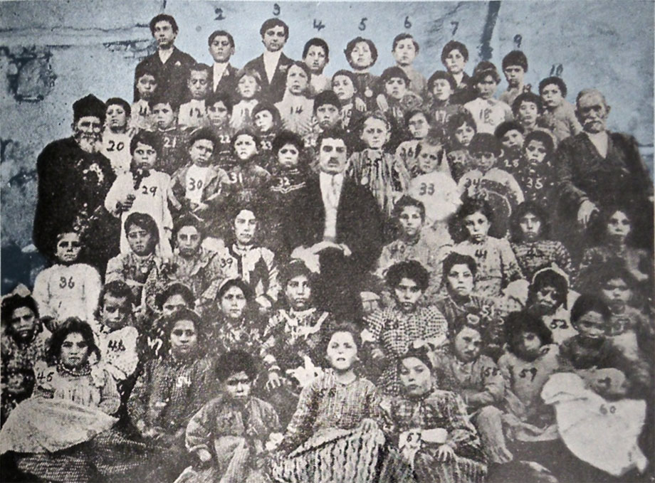 Upper Khokh (now Dedeyolu), 1912. The village school students