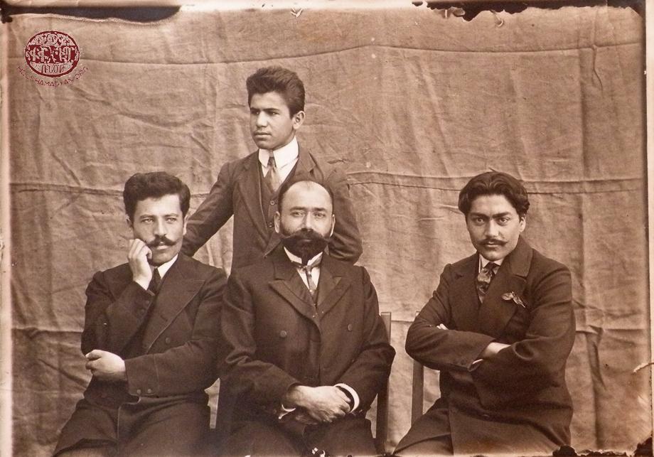 «Քելէկեան» որբանոց-վարժարանի ուսուցչական կազմը 1913-1914 տարեշրջանին