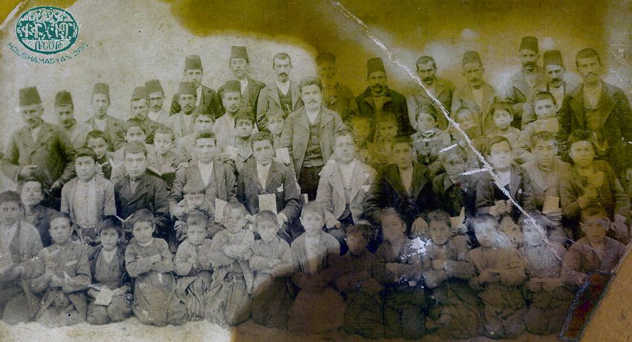 Հազարի, 1908-էն ետք. դպրոցին աշակերտները, ուսուցիչներ եւ թաղական խորհուրդի անդամներ