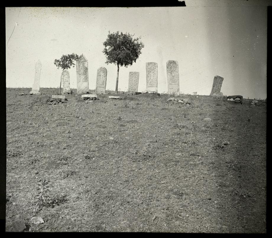 Khulavank'taki tarihi mezarlık