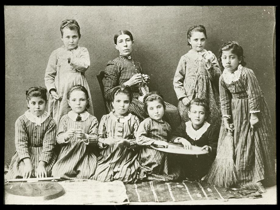 Harput. Bir Ermeni kız yetimhanesi