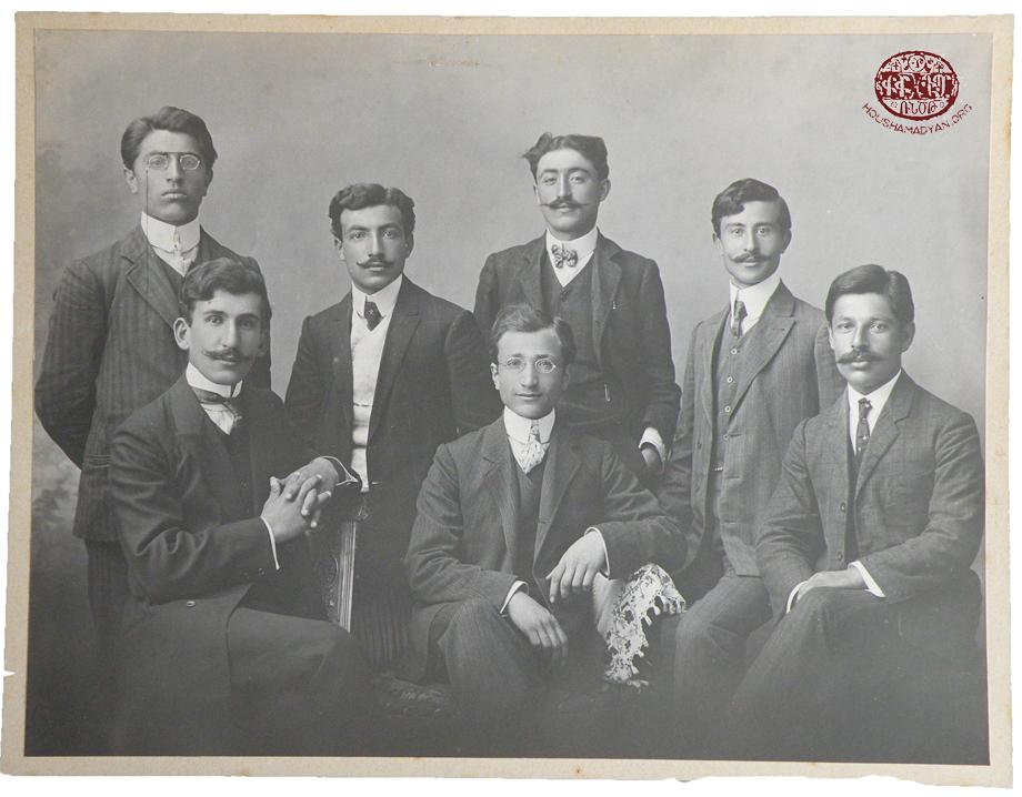 Մարզուան/Մերզիֆոն, 1909. Անաթոլիա գոլէճի հայ ուսանողները