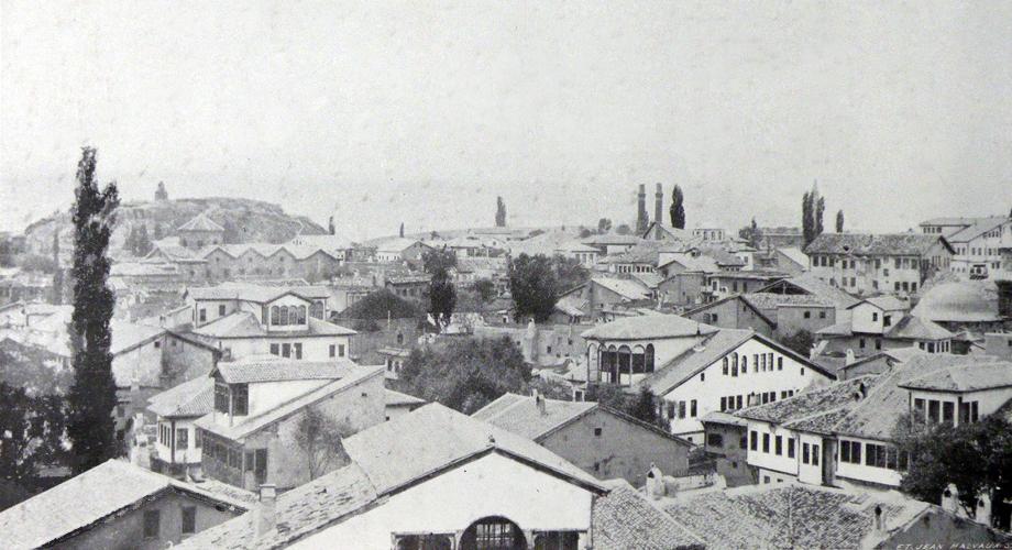 A scene from Sivas (Franz et Eugène Cumont, Studia Pontica, II, Voyage d'exploration archéologique dans le Pont et la Petite Arménie, Bruxelles, 1906)