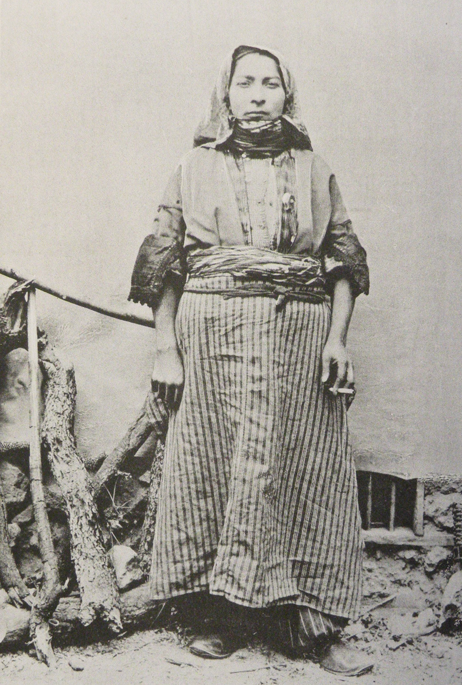 An Armenian woman from Zeytun (Source: Mark Sykes, Dar-ul-Islam, London, 1904)