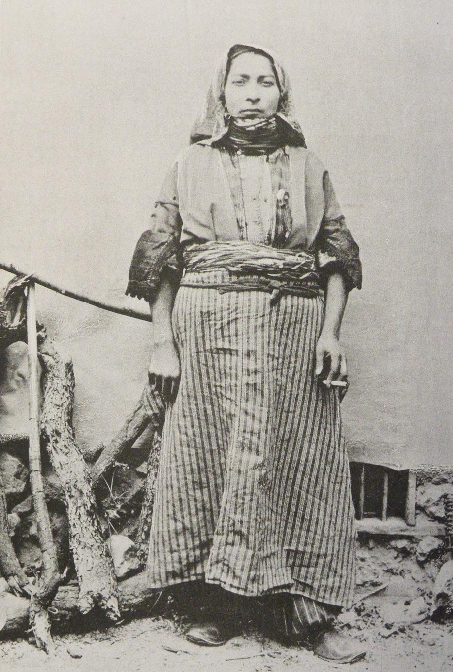 An Armenian woman from Zeytun (Source: Mark Sykes, Dar-ul-Islam, London, 1904)