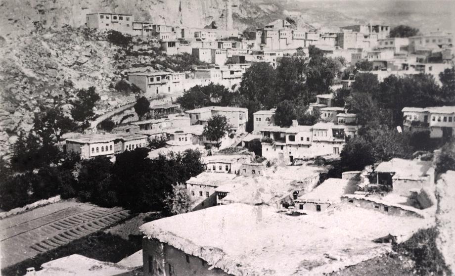 Չմշկածագ քաղաքի Չուխուր թաղամասէն հատուած մը