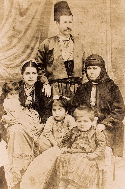 Maraş, 1880 dolaylarında, Der Ghazaryan ailesi (Kaynak: Mihran Minasyan arşivi)