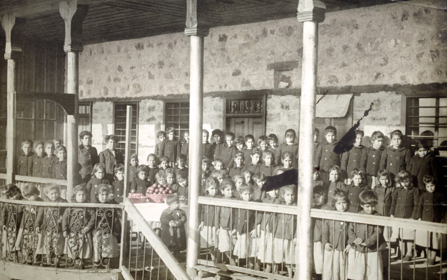 New Year in the Marash Armenian orphanage (Source: Nubarian Library collection)