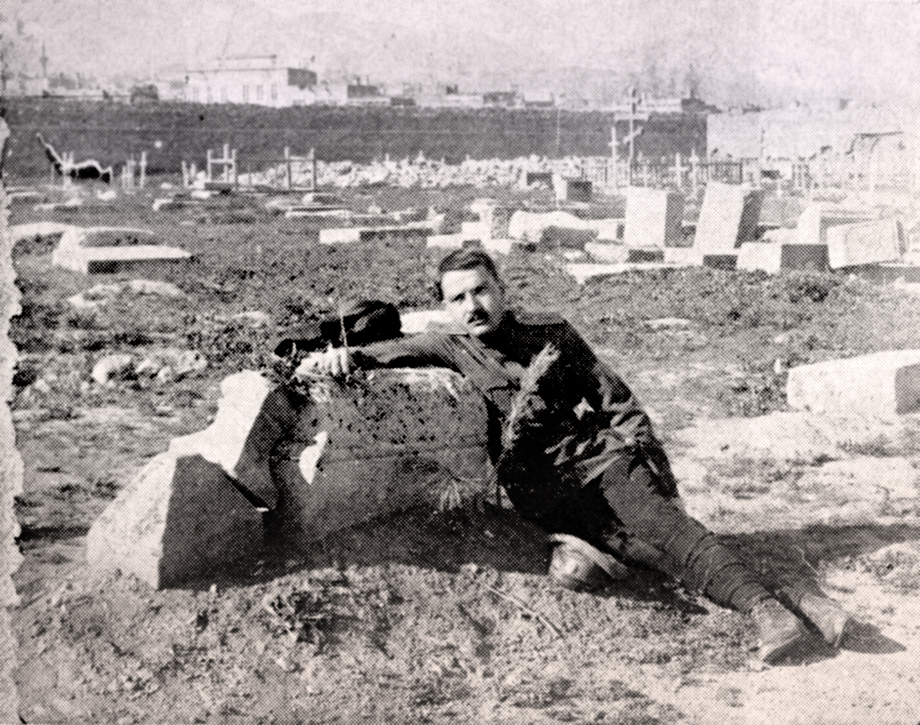 Levon Lulejian at the grave of his brother Donabed in Garin/Erzurum
