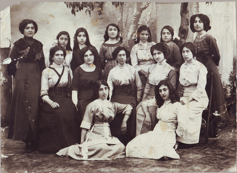 Samsun/Samson, 1912. Female pupils and teachers of the Armenian school