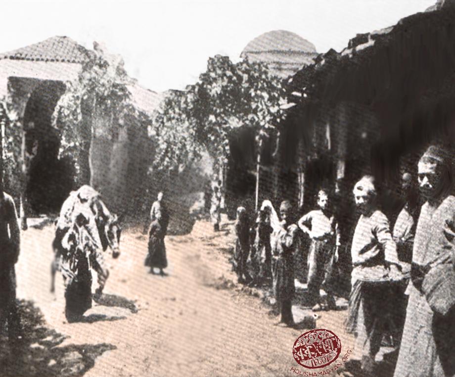 A scene in a market in Marash (Source: Kalusdian, op. cit.)
