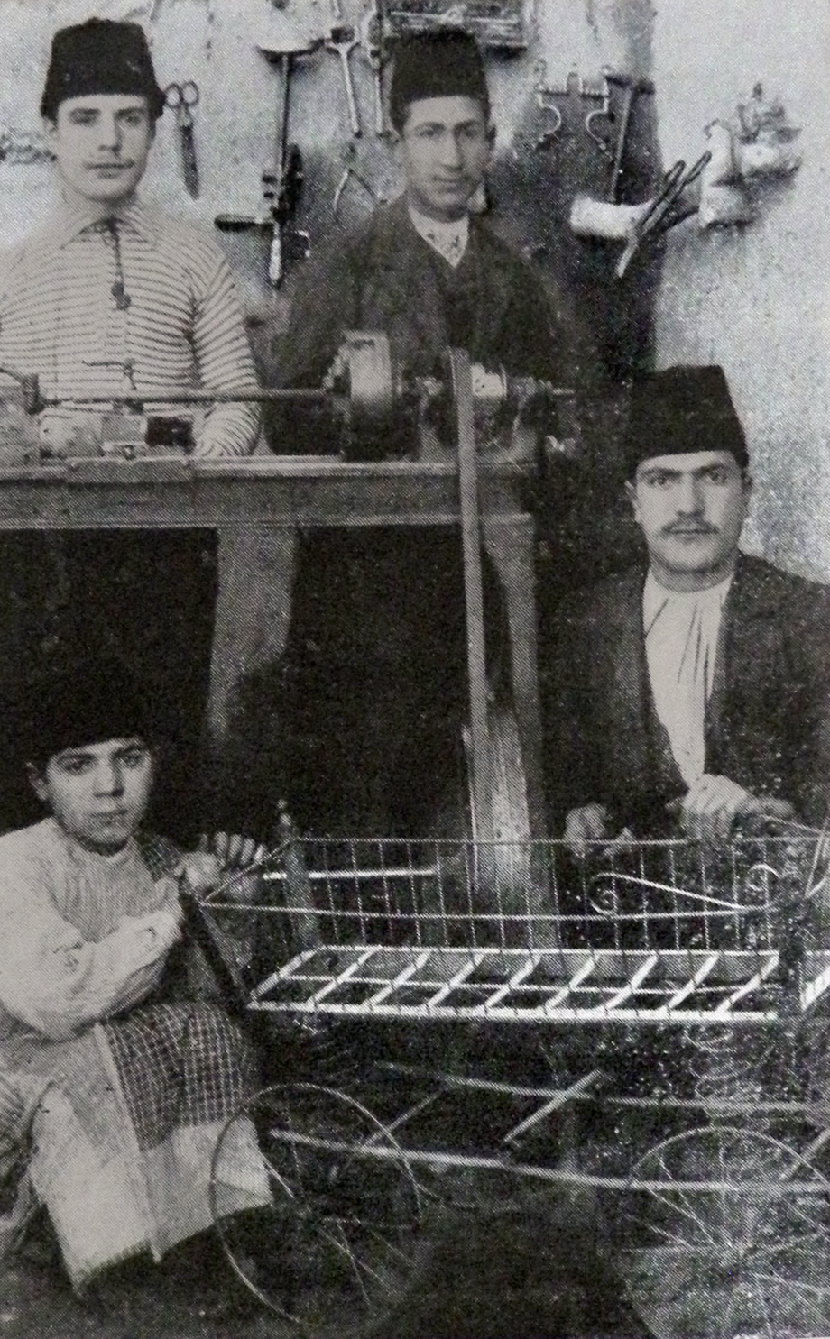 Armenian blacksmiths in the plain of Harput (Source: Vahé Haig, op. cit.)