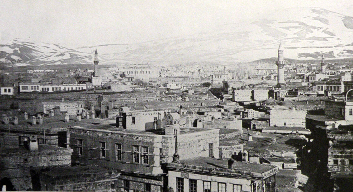 A panoramic view from Erzurum (H. Hepworth, Through Armenia on horseback, London, 1898)